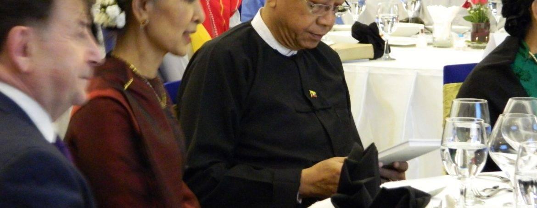 Aung San Suu Kyi, Htin Kyaw